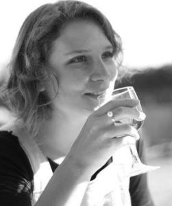 Dormilona / Professeur Terra (Camille – Comédienne)